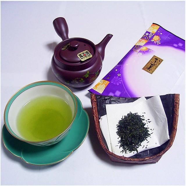 下町の小さなお茶屋の店員さんが、初めて作ったブレンド茶。