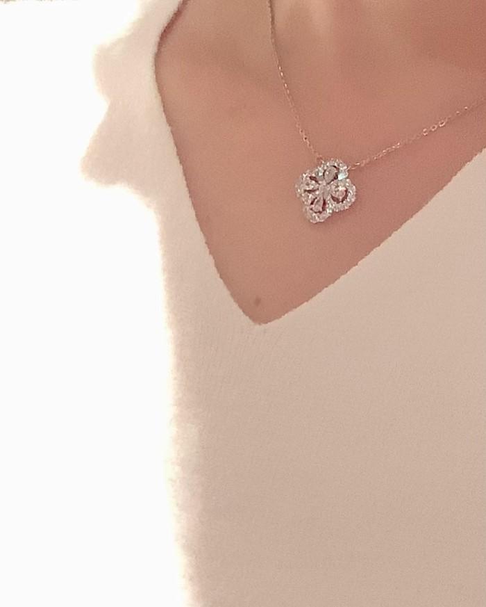 クリスマスプレゼント★誰からも愛されるデザインネックレスはこれ!