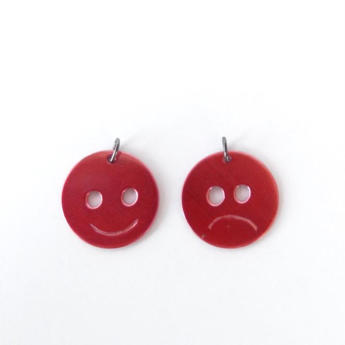 言葉の代わりに感情を伝える【笑顔or不機嫌】二つの顔を持つニコちゃんマーク緋銅ペンダントネックレス