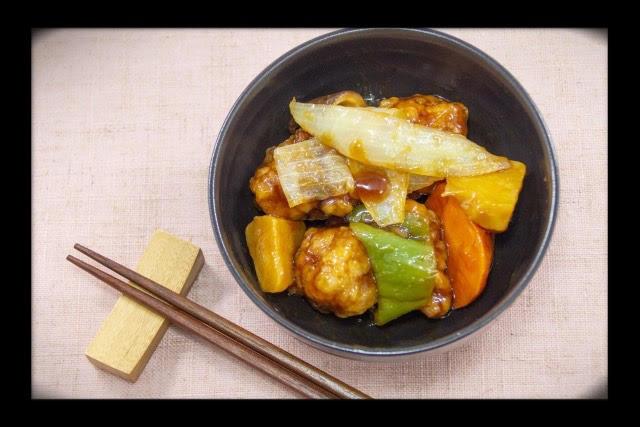 甘酸っぱいタレが食欲をそそる!作り置きで時短ができる「酢豚」のレシピ