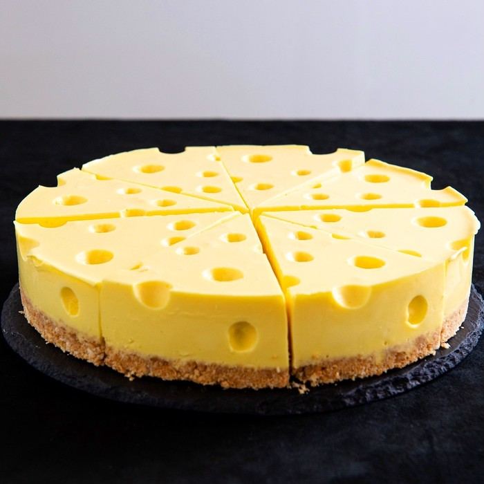 アニメに出てくるチーズみたいなチーズケーキ