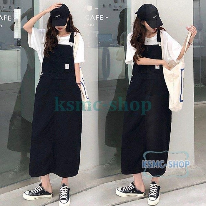 大人カジュアルコーデにおすすめのサロペットスカート。ゆったりシルエットで韓国ファッション好きに