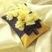 [送料無料]黄色いスイトピーを飾ったデニムのリングピロー