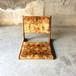 レトロポップな花柄座椅子