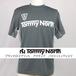 Tommy North  ブランドロゴプリント アクティブ バドミントンTシャツ BDM0002 ダークグレー×グレー
