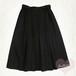 ブラック ボックスプリーツフレアスカート