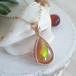 〈女神巻き®〉キャラメルみたいな虹色オパールのペンダントトップ