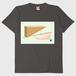 カワイハルナ Tシャツ「棒を斜めに置く」(チャコール)