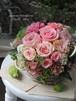 バラと香りのバスケットアレンジメント/プリザーブドフラワー/新築祝い/開業祝い/お誕生日祝い/結婚祝い/バースデーギフト/メッセージカード無料【お届け日指定可能】