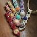 アクリルビーズと天然石のマクラメ編みペンダントトップ/長い花瓶