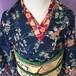 草花模様の紬  大正ロマン風 紺色の着物 送料無料