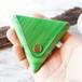 メロンソーダのような三角コインケース