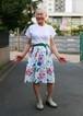 大きな花柄とベルベットリボンのスカート