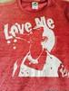 『Love Me』 Tシャツ レッド×ホワイト【枚数限定】
