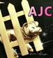 AJC刻印★柵の中の子豚と小鳥☆マットゴールドメタルヴィンテージ彫金ブローチ