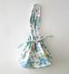 ロシアの古い布で作った 巾着バッグ A(ブルーの小花柄)