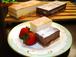有名百貨店のカタログにも掲載されている窯出しケーキセットR(窯出しチーズケーキ&チョコレート)