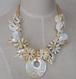 お花モチーフ白い貝殻ネックレス