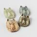 信楽陶器のブローチ オオカミ
