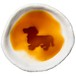 ダックスフンドのシルエットが浮かぶお醤油小皿(丸)