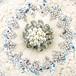 象牙色の樹脂に銀彩、真珠、乱菊のブローチ(大)