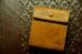 二つ折り財布ボックスフラップ/キャメルイエロー