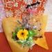 パープルのブリキの器にアレンジしガーベラのプリザーブドフラワーと野菜や果物を使った焼き菓子2袋のギフトセット