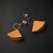 ライスフラワーとレザーチャームのピアス オレンジ(無料ギフトラッピング, メッセージカード, 誕生日プレゼント)