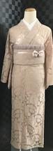 ピンクベージュの薔薇柄レース着物単衣()