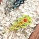 新色追加!天然石のマクラメ編みヘアピン/ハート(シャトルーズ系×サードニクス)