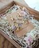 かすみ草のドライフラワー、淡い5色のミックスブーケピアス