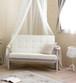 2.シャビーシック系の白いソファー(2人掛け)