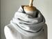 温度を纏う 純カシミヤのふわふわリバーシブルねじりスヌード Oatmeal/Gray
