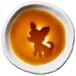チワワのシルエットが浮かぶお醤油小皿(丸)