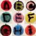 original キーリング キーホルダー 毛玉 ふわふわファー アルファベット 頭文字 チャーム 可愛い フォックスファー ポンポン 手馴染み良い 高質 レデイース