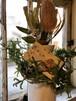 Vase et fleur sèche