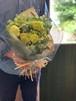 季節の花のナチュラルグリーン花束