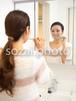 歯を磨く女性 /人物写真素材(sayuri-240174)