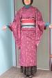 【銘仙】アンティーク着物☆紫に四角の飛び柄【しつけ付き】