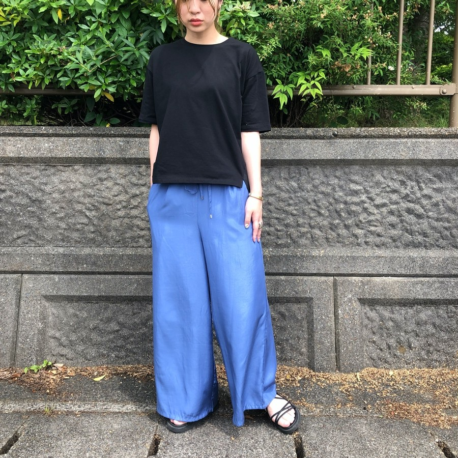 着用カラー:BLUE