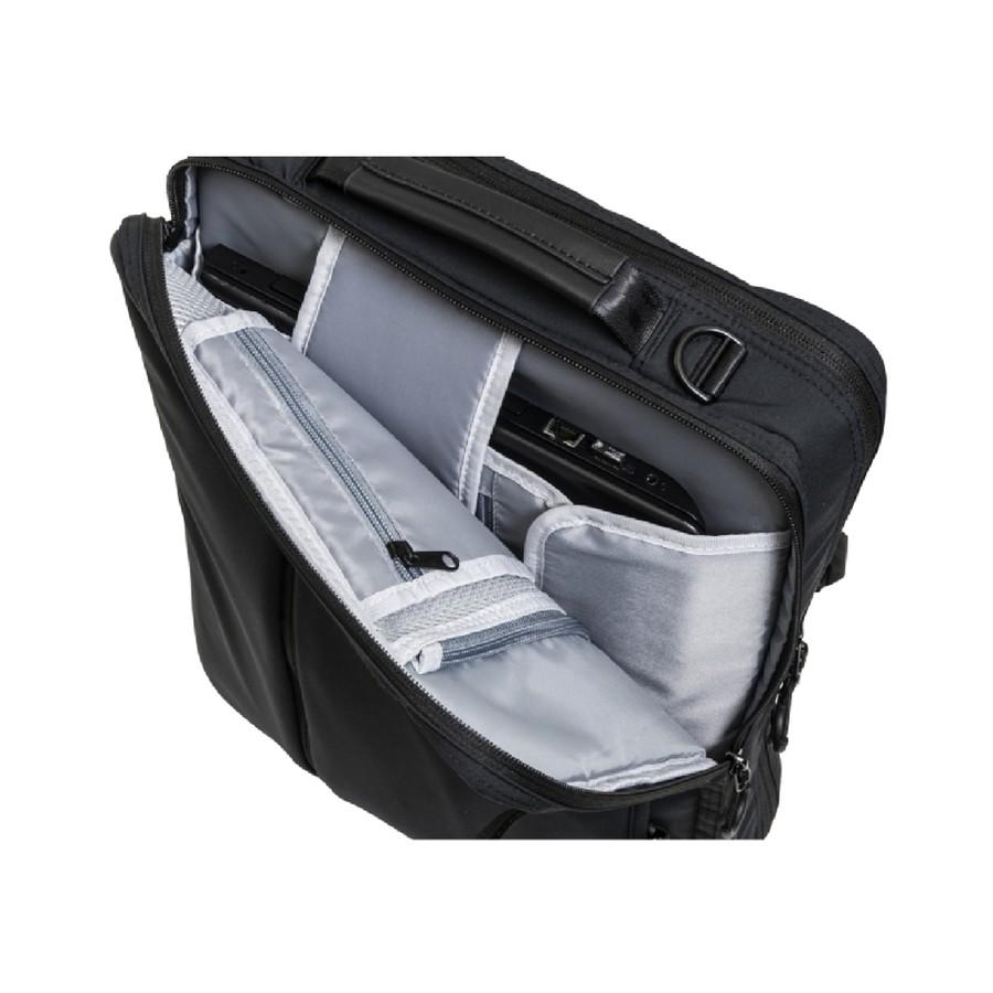 上入れ、横入れ可能なパソコン収納ポケット(17インチ対応)*収納部サイズをご確認ください。