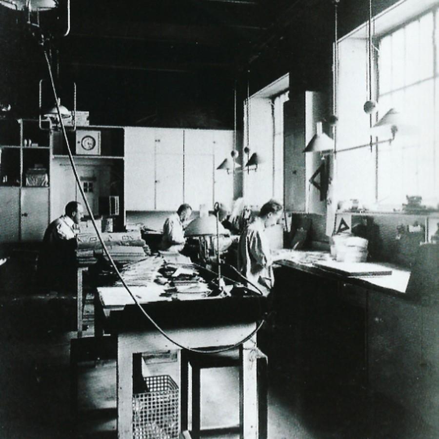 19世紀末、ウィーン工房での制作風景