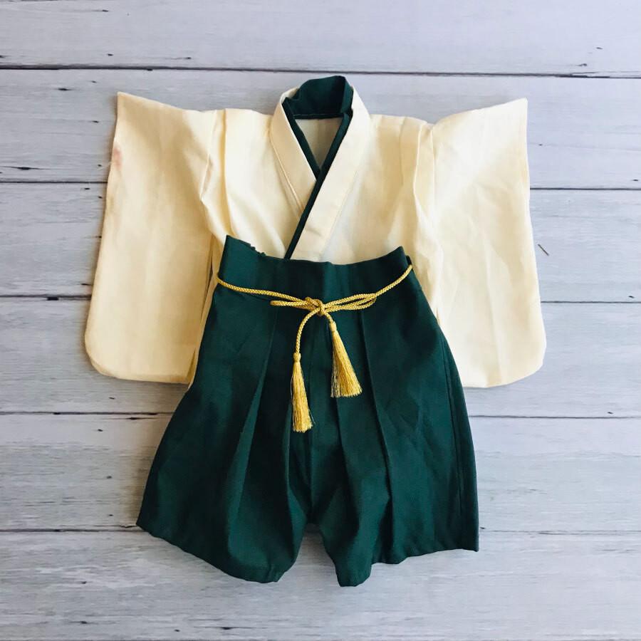 新生児サイズの和装の袴!