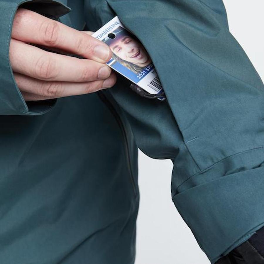 ジップパスポケット